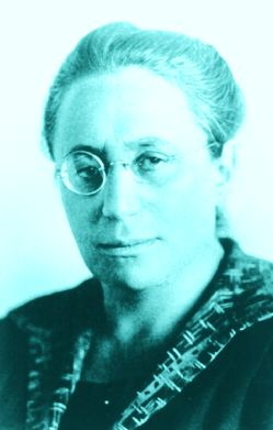 Emmy Noether revolutionized mathematics — and still faced ... Emmy Noether